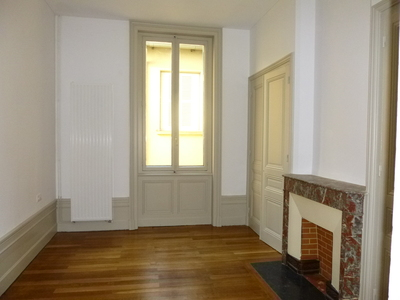 Location Appartement 5 pièces 155m² Saint-Étienne (42000) - Photo 8