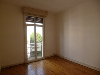 Location Appartement 3 pièces 52m² Pau (64000) - Photo 2