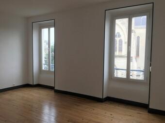 Renting Apartment 3 rooms 80m² Pau (64000) - photo 2