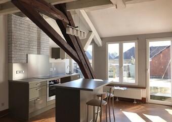 Renting Apartment 2 rooms 72m² Lure (70200) - Photo 1