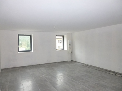 Location Appartement 4 pièces 88m² Saint-Paul-en-Cornillon (42240) - photo