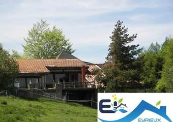 Vente Maison 8 pièces 250m² Marcols-les-Eaux (07190) - Photo 1