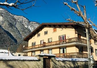 Renting Apartment 3 rooms 76m² Le Bourg-d'Oisans (38520) - Photo 1