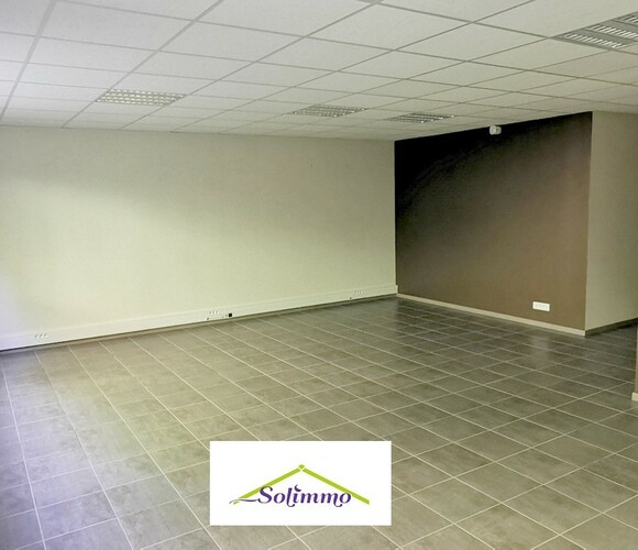 Location Local commercial 2 pièces 51m² Le Pont-de-Beauvoisin (73330) - photo