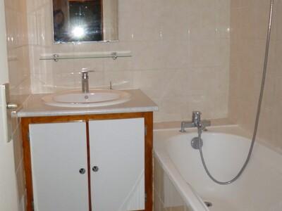 Location Appartement 4 pièces 68m² Soumoulou (64420) - Photo 9