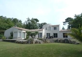 Vente Maison 7 pièces 244m² Breuillet (17920) - Photo 1