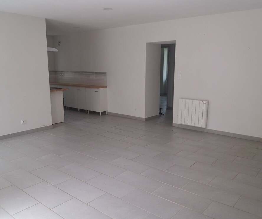 Location Appartement 78m² Charlieu (42190) - photo