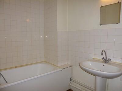 Location Appartement 3 pièces 44m² Saint-Étienne (42000) - Photo 4