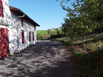 Location Maison 7 pièces 206m² Briscous (64240) - Photo 1