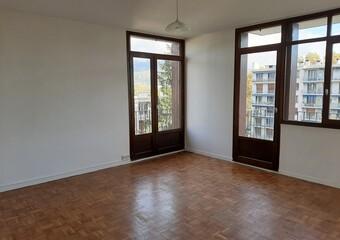 Location Appartement 4 pièces 77m² Saint-Martin-d'Hères (38400) - Photo 1