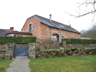Vente Maison 8 pièces 241m² Chartrier-Ferrière (19600) - photo