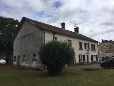 Vente Maison 8 pièces 200m² Ternuay-Melay-et-Saint-Hilaire (70270) - photo