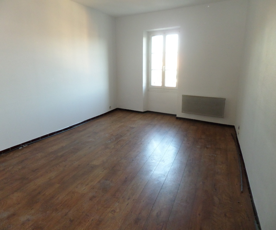Location Appartement 3 pièces 77m² Cavaillon (84300) - photo