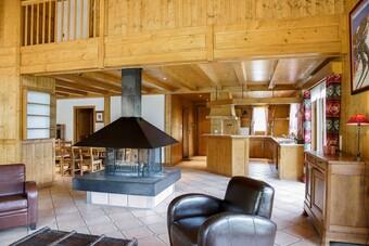 Vente Maison / chalet 6 pièces 213m² Saint-Nicolas-De-Veroce (74170) - photo 2