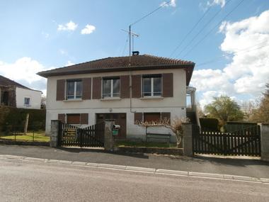 Sale House 5 rooms 90m² SAINT LOUP SUR SEMOUSE - photo