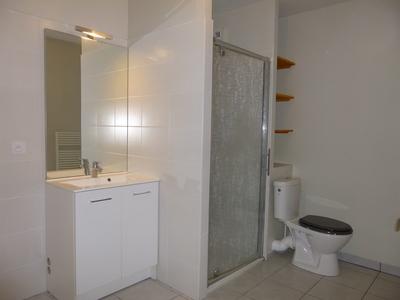 Location Appartement 2 pièces 45m² Saint-Étienne (42100) - Photo 7