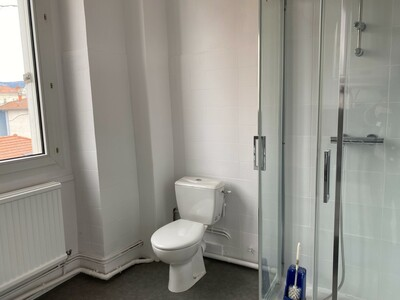 Location Appartement 3 pièces 89m² Saint-Étienne (42000) - Photo 16