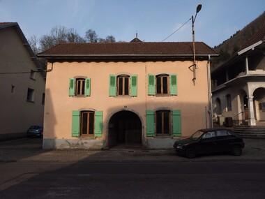Vente Maison 12 pièces 175m² 15 MINUTES DE LUXEUIL LES BAINS - photo