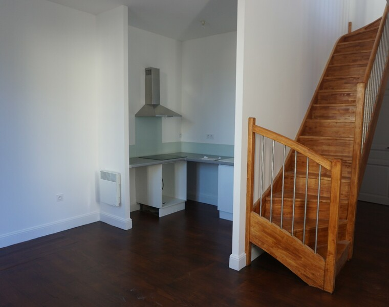 Renting Apartment 3 rooms 81m² Pau (64000) - photo