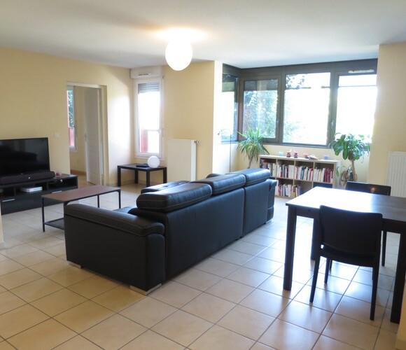 Location Appartement 2 pièces 56m² Échirolles (38130) - photo