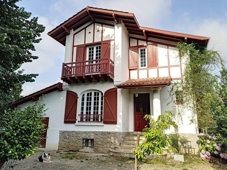 Vente Maison 4 pièces 130m² Cambo-les-Bains (64250) - photo