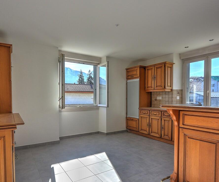 Sale Apartment 4 rooms 101m² La Roche-sur-Foron (74800) - photo