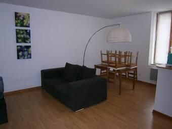 Location Appartement 60m² Bourg-de-Thizy (69240) - photo 2