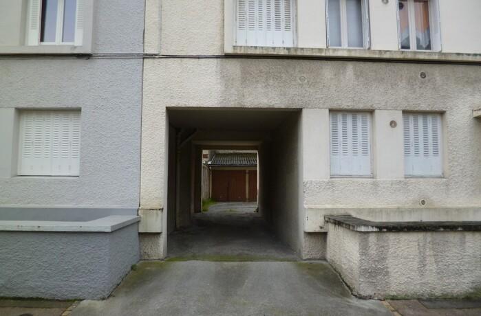 Location garage pau 64000 379043 for Location garage 14