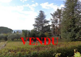 Vente Terrain 822m² Lauris (84360) - photo