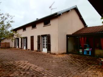 Sale House 7 rooms 204m² 70300 Breuches - photo