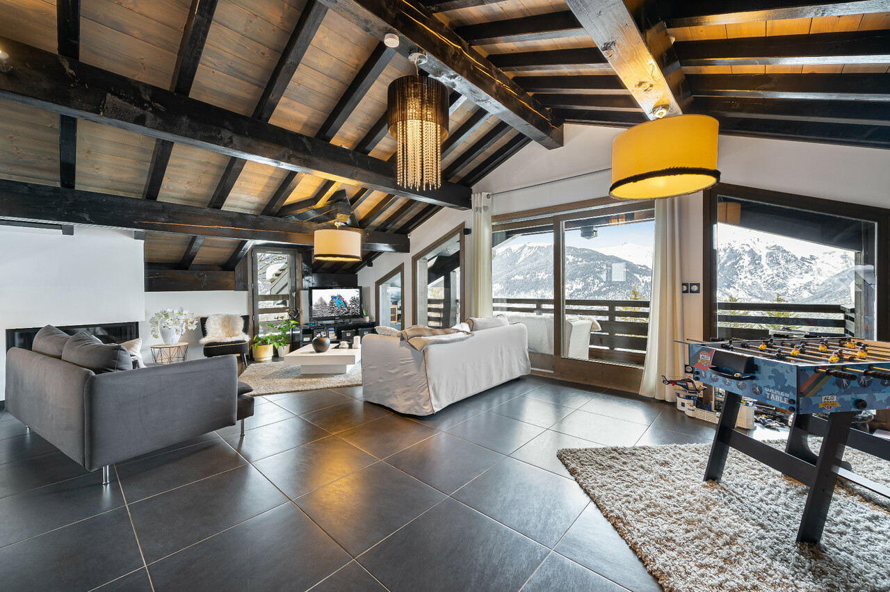 MODERN FAMILY CHALET Chalet in Courchevel