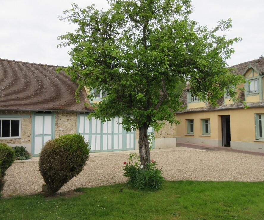 Location Maison 4 pièces 114m² Jouy-sur-Eure (27120) - photo