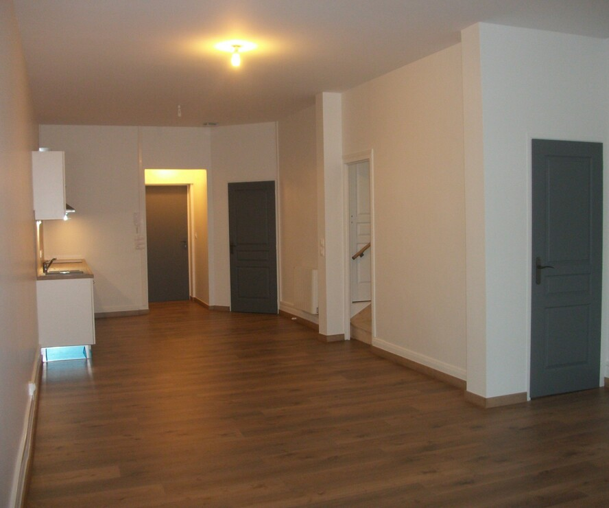 Location Appartement 3 pièces 94m² Chauny (02300) - photo