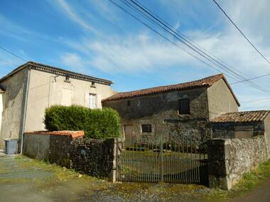 Vente Maison 5 pièces 100m² Vouhé (79310) - photo