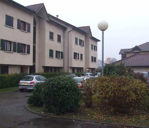 Location Garage 12m² Le Versoud (38420) - photo