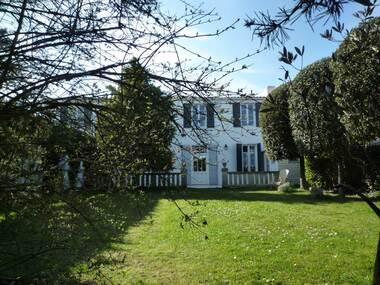 Vente Maison 9 pièces 275m² Marsilly (17137) - photo