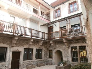 Vente Maison 10 pièces 324m² LUXEUIL LES BAINS - photo