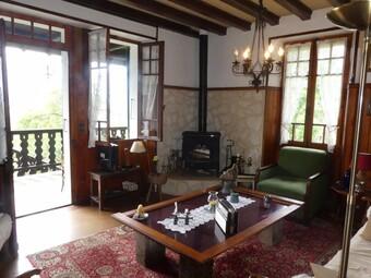 Sale House 6 rooms 143m² Saint-Gervais-les-Bains (74170) - photo 2