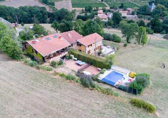 Vente Maison 10 pièces 321m² Le Bois-d'Oingt (69620) - Photo 1
