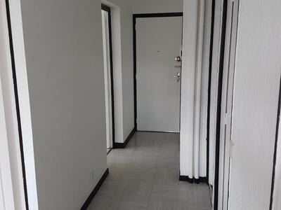 Location Appartement 2 pièces 46m² Saint-Étienne (42100) - Photo 10