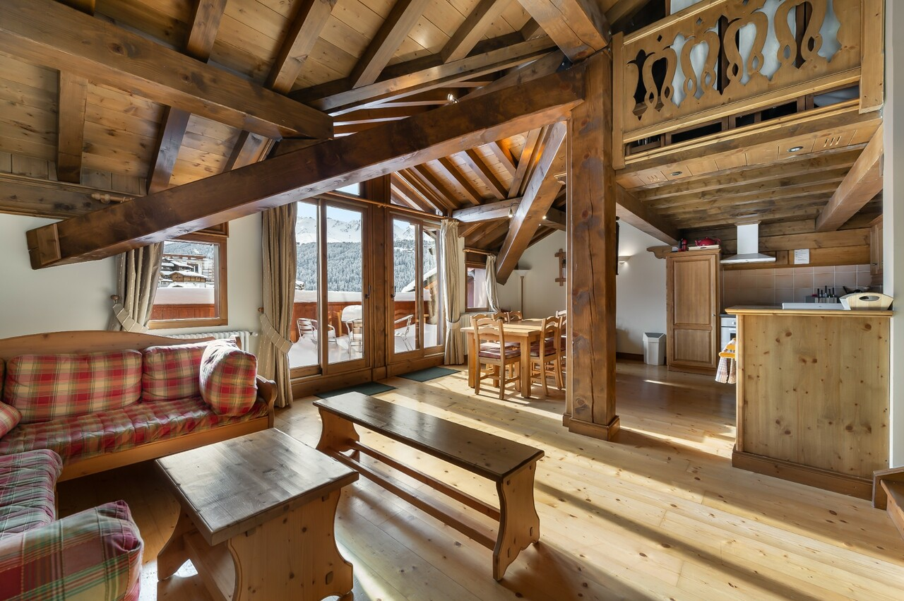 APARTMENT ON LAST FLOOR Chalet in Courchevel