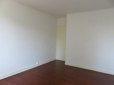 Location Appartement 4 pièces 106m² Pau (64000) - Photo 9