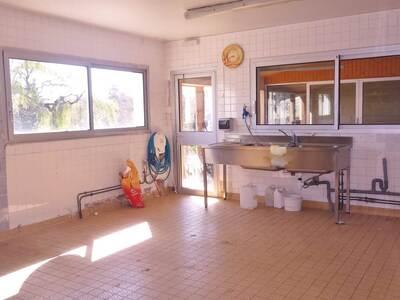 Vente Maison 15 pièces 440m² Saint-Dier-d'Auvergne (63520) - Photo 6