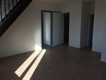 Location Appartement 70m² Lorgies (62840) - photo