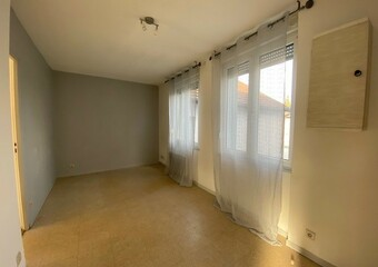 Renting Apartment 2 rooms 30m² Luxeuil-les-Bains (70300) - Photo 1