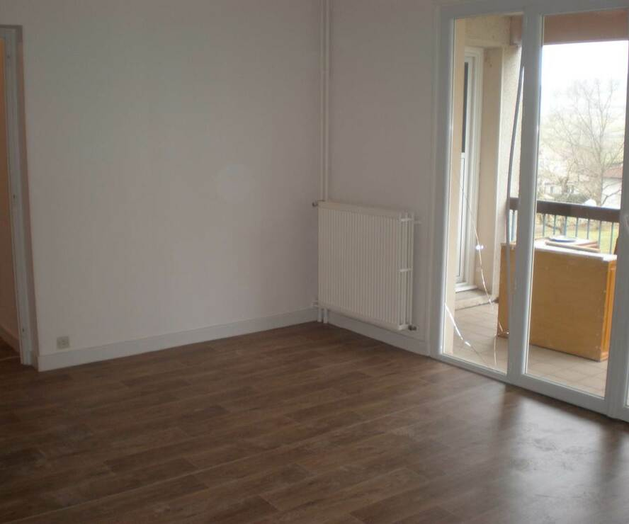 Location Appartement 3 pièces 77m² Amplepuis (69550) - photo