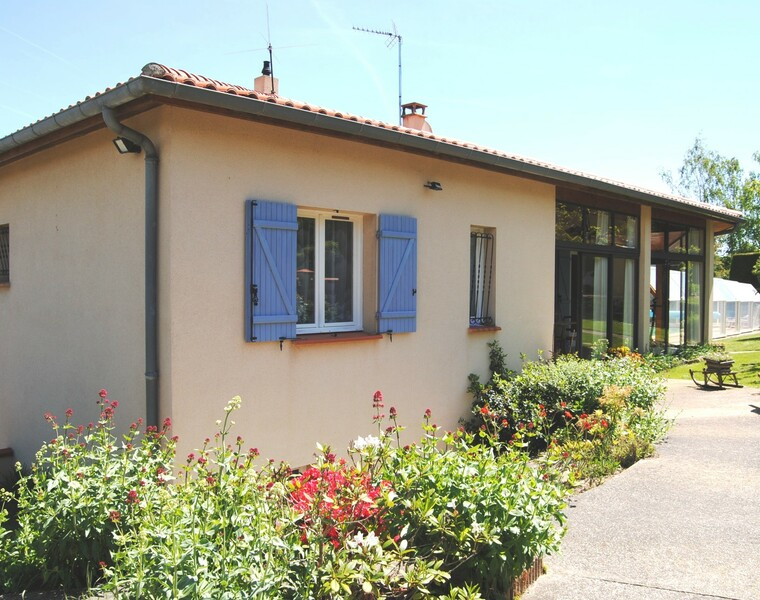 Sale House 5 rooms 107m² SECTEUR RIEUMES - photo