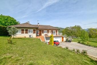 Sale House 6 rooms 117m² Saint-Blaise-du-Buis (38140) - photo