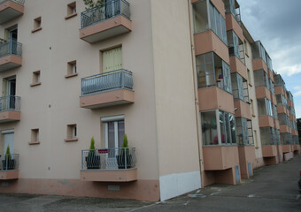 Location Appartement 4 pièces 81m² Saint-Bonnet-de-Mure (69720) - Photo 1