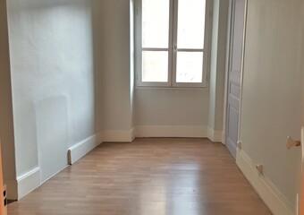 Renting Apartment 3 rooms 100m² Grenoble (38000) - photo 2